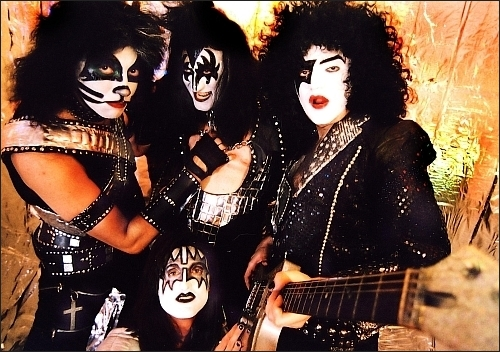 Concert Dressed to Kiss in Hard Rock Cafe