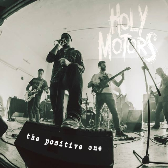 2-Concert_Holy_Motors_in_The_She_vM2xl36BHx.jpg