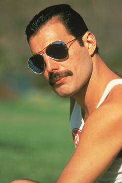 Lansare: Freddie Mercury- Messenger Of The Gods – The Singles