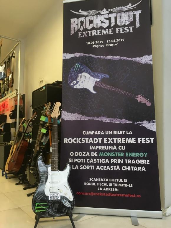 Castiga chitara ROCKSTADT EXTREME FEST 2017