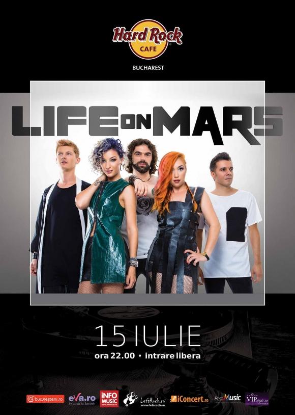 Concert Life on Mars pe terasa Hard Rock Cafe