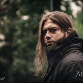 ABIGAIL prezinta primul extras pe single de pe albumul in lucru si dezvaluie identitatea noului solist vocal