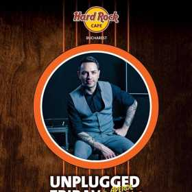 Unplugged Friday cu Claudiu Mirea pe terasa Hard Rock Cafe, București