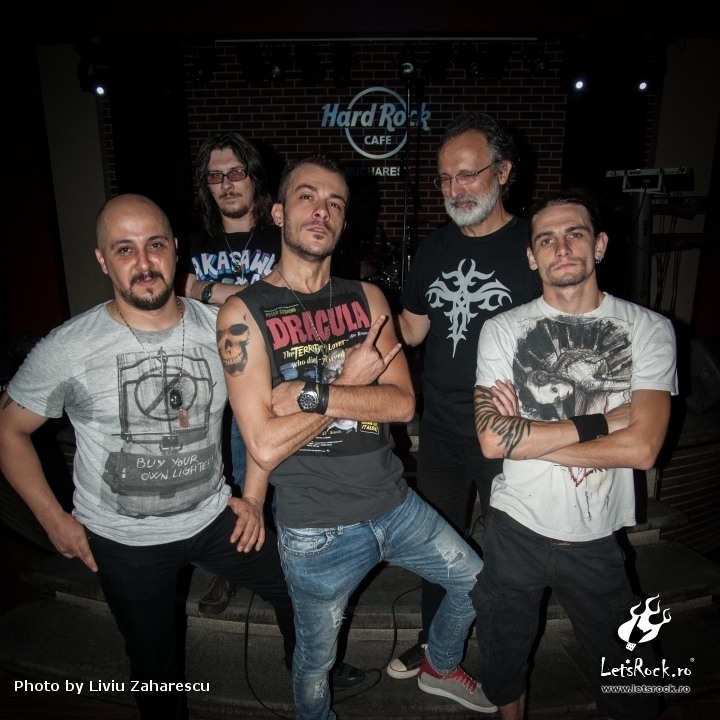 Galerie Foto Monarchy, Warm-up ARTmania Festival Sibiu in Hard Rock Cafe, 02.08.2012