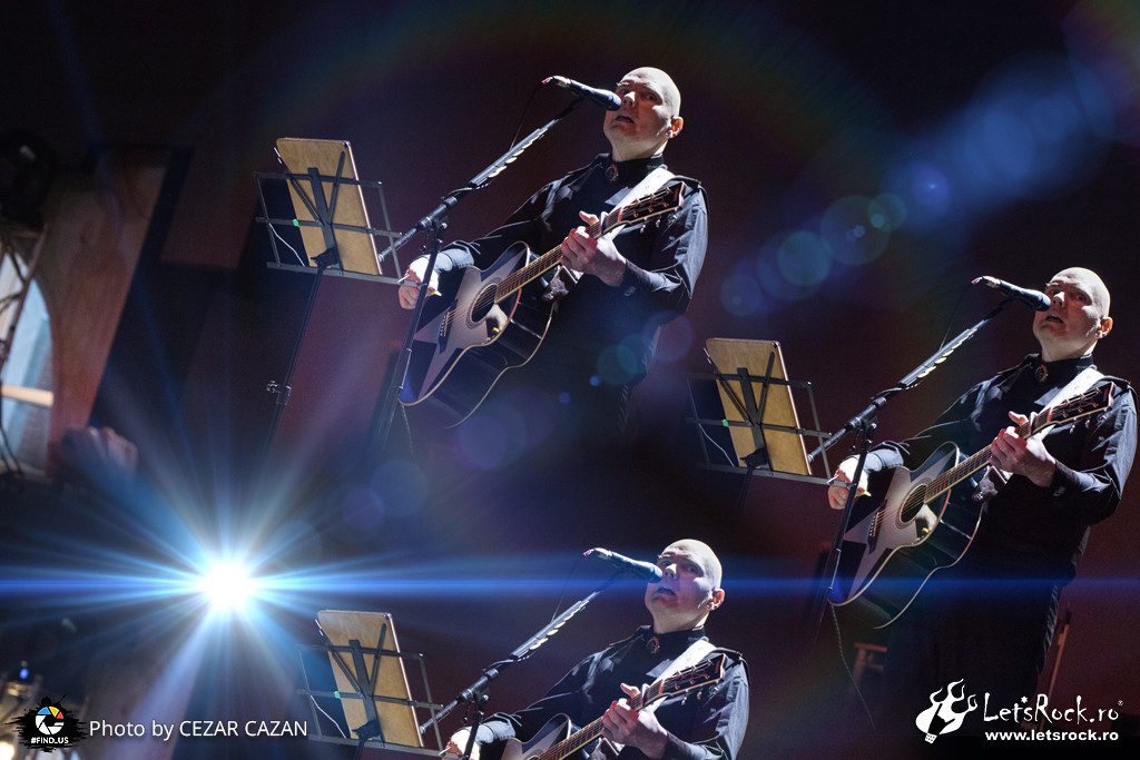 Billy Corgan, Beraria H