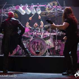 Galerie foto Dream Theater - 25 ani de Images and Words -  la Arenele Romane - Dream Theater, Arenele Romane - Poza 39